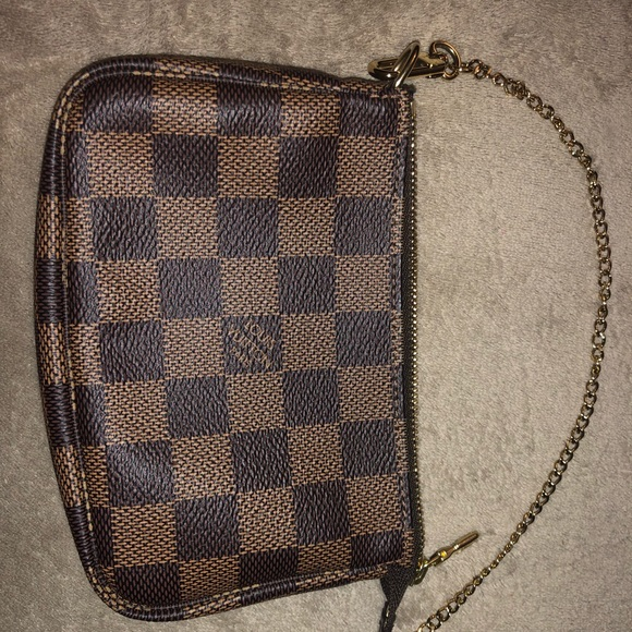 Louis Vuitton Handbags - Louis Vuitton Mini Pochette